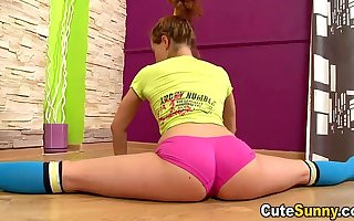 Cute Sunny - Hot naked teeny bending intemperance and doing the splits